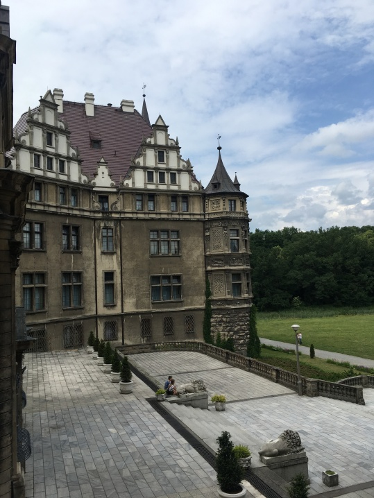 pałac w Mosznej tarasy