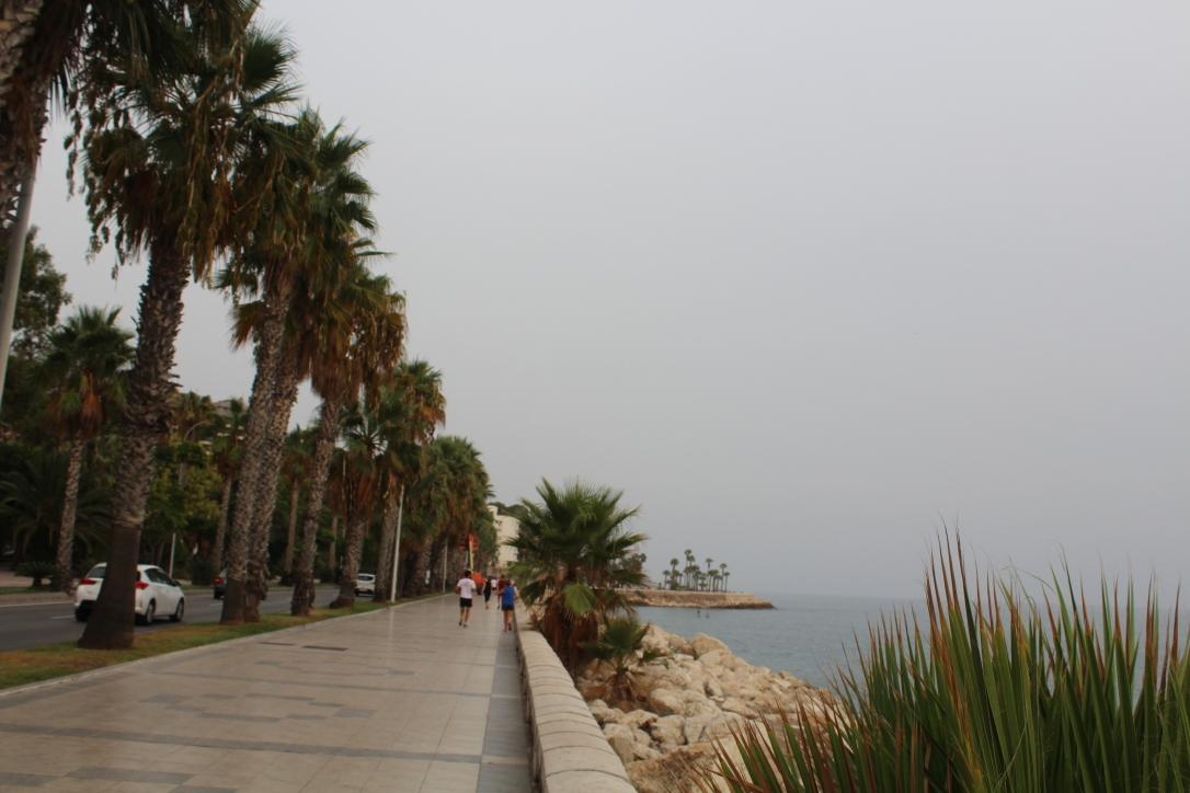 promenada wzdluz plazy malaga